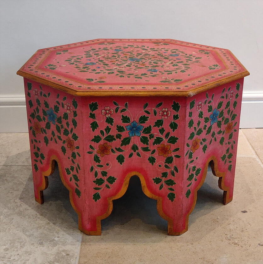 Red Bajot Table